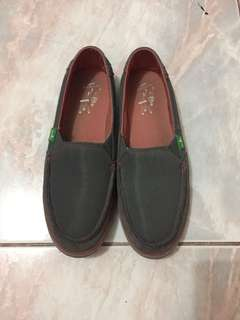 Authentic Sanuk Shoes