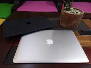 Macbook air intel core 2 Duo memory 2gb ram ssd 128gb vram 256 mb