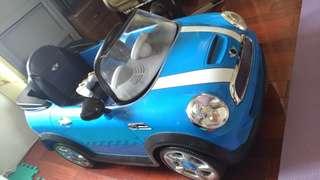 Mini cooper 遙控車,很佔空間,廉售給需要的人(需自取)