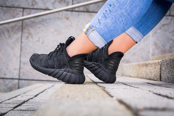 best loved 13fb9 6028f Adidas Tubular Dawn - Triple Black> BZ0629, Women's Fashion ...