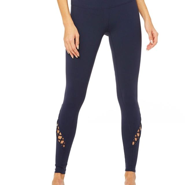 e1831ed73fc12 Alo Yoga entwine Leggings in Navy, Sports, Sports Apparel on Carousell