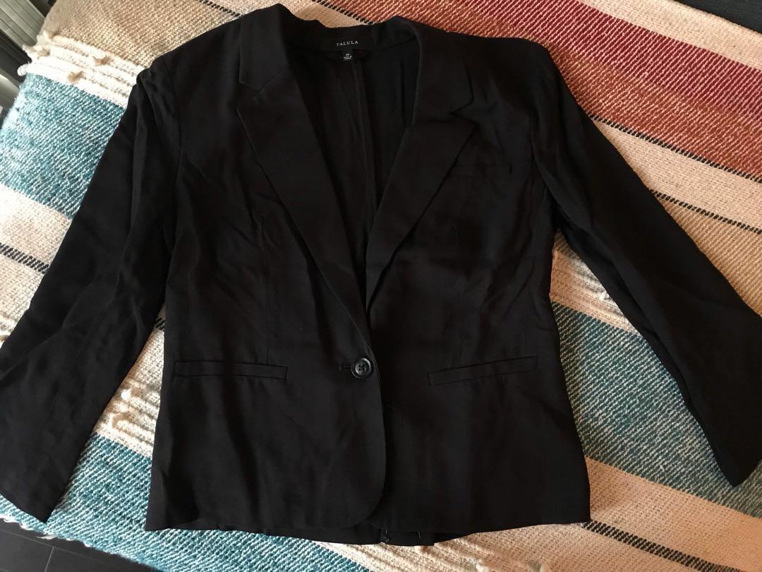 Aritzia Talula Thin Blazer Size 00