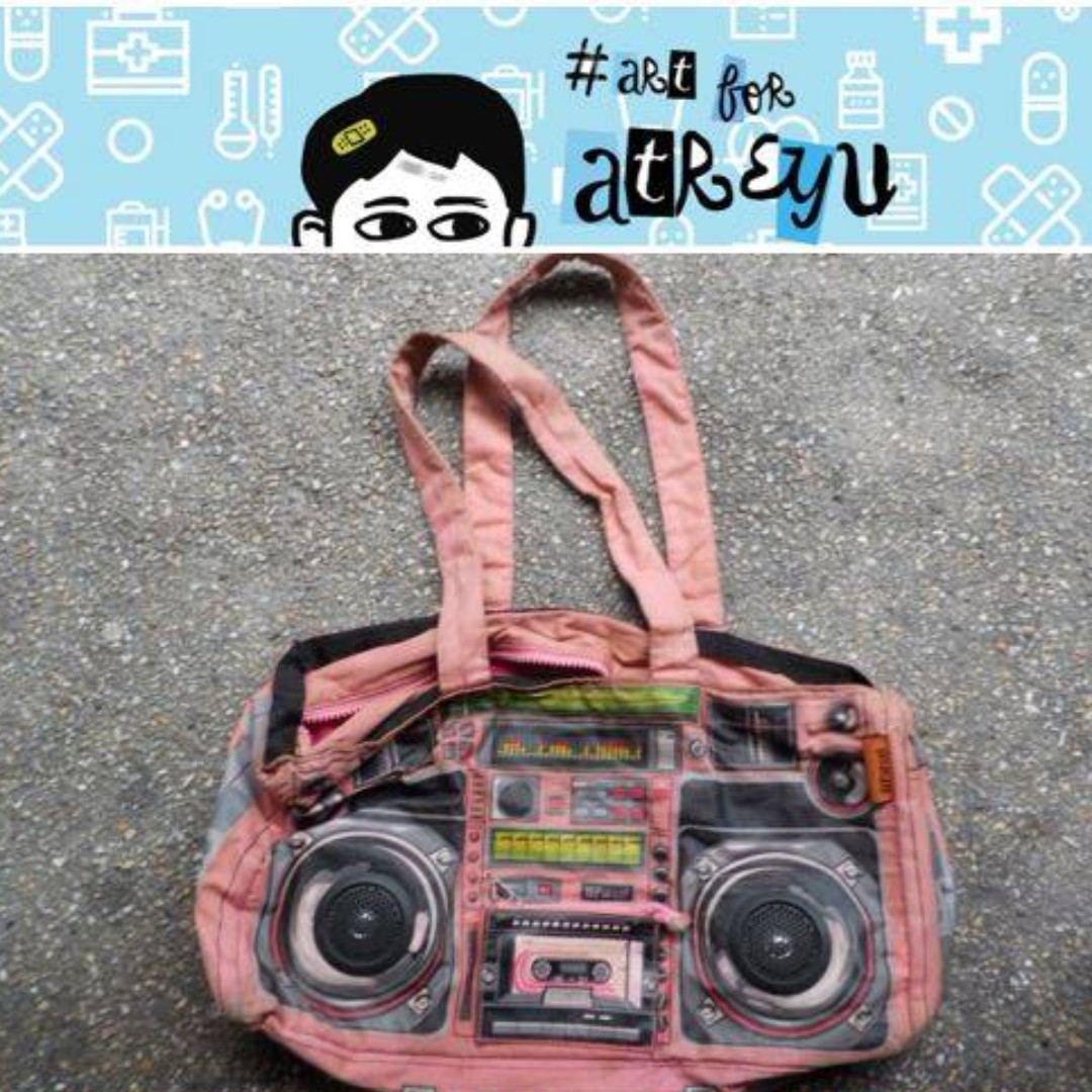 Boom Box Bag Loop Nyc Iii Parcel Original W Working Speakers Of Womens Fashion Bags Wallets On Carousell