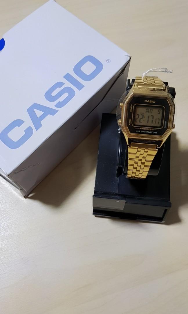 7f080efe588d Casio Vintage Digital Illumator Gold Watch