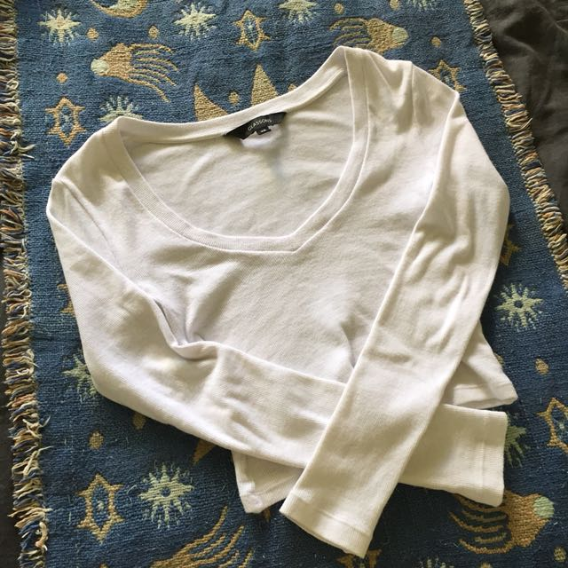 Fitted White Scoop Neck Long Sleeve Crop Top