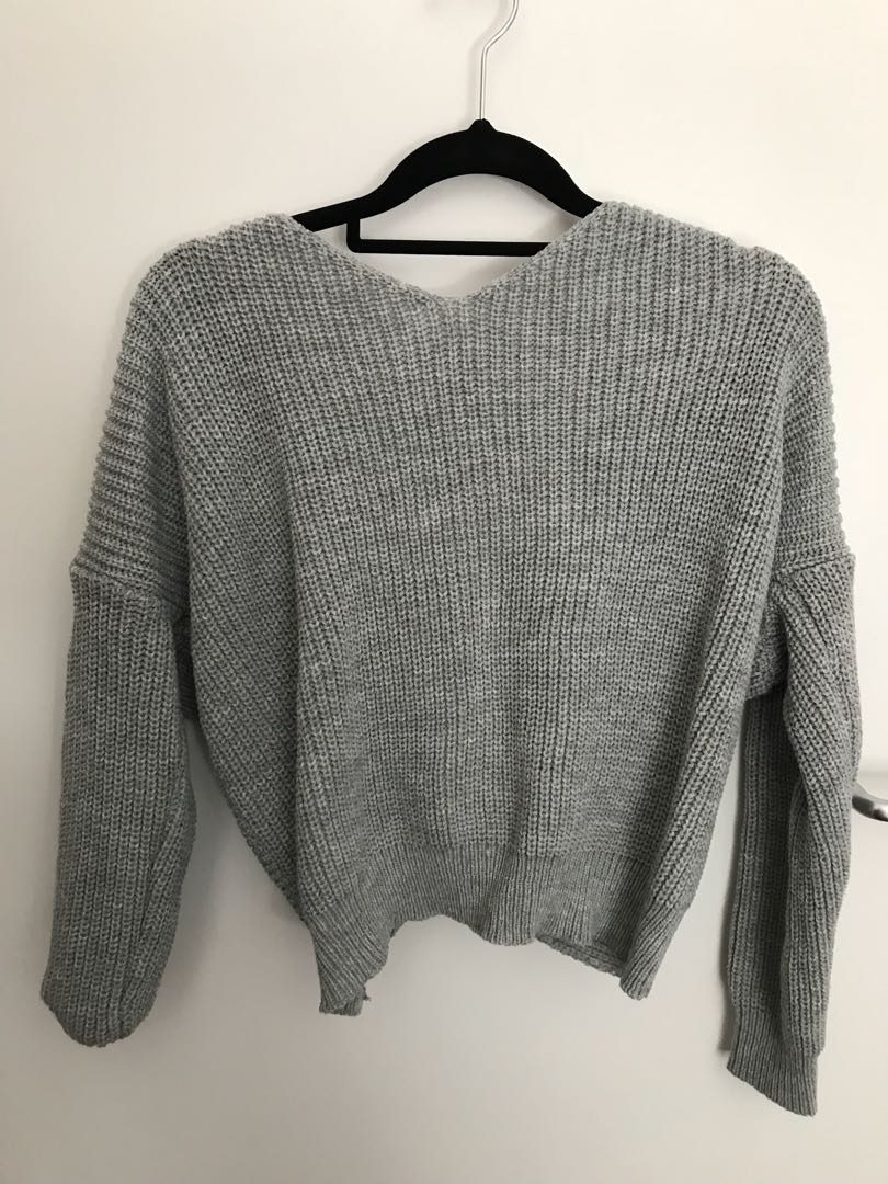 Grey ribbon at the back sweater size s