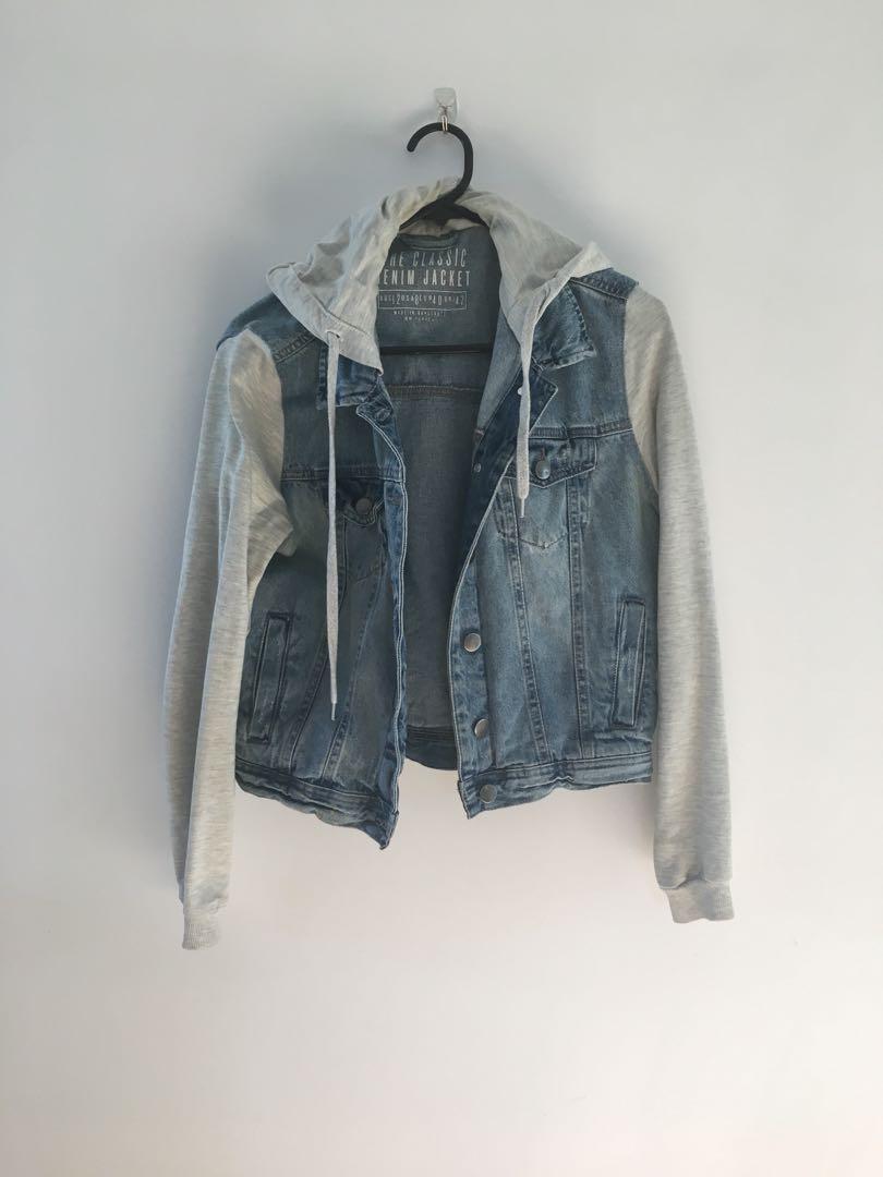 Hooded denim jacket 👘