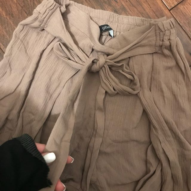 M boutique highwaist pants with slits on thighs