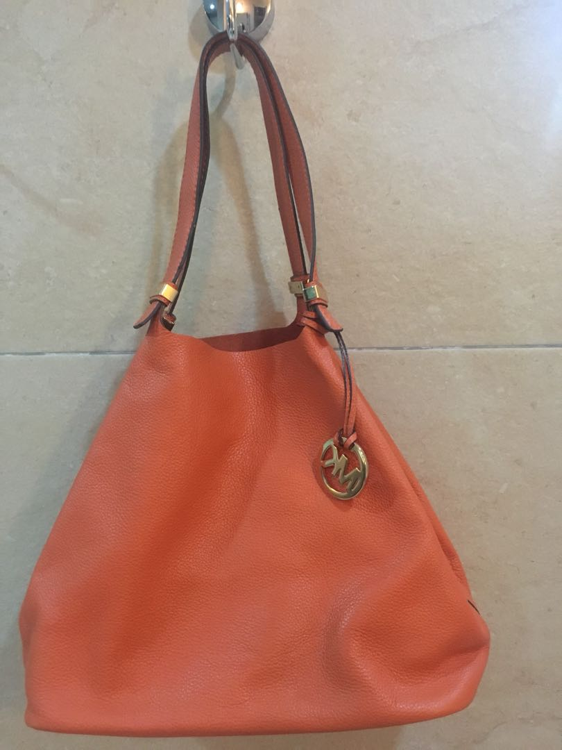 Michael Kors Soft Leather Tote Authentic Preloved Women S Fashion Bags Wallets On Carou