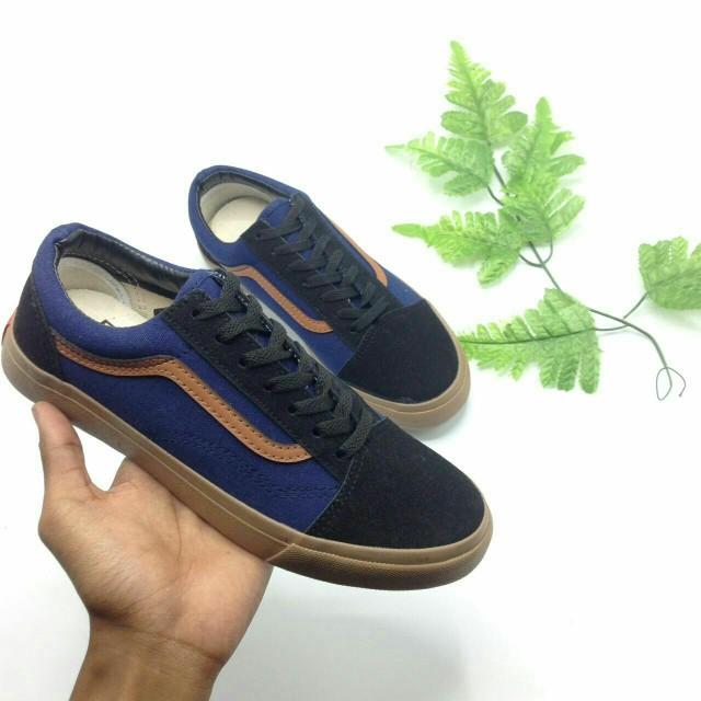 757ad5c5c6b3 Vans Old Skool Navy Blue Gumsole