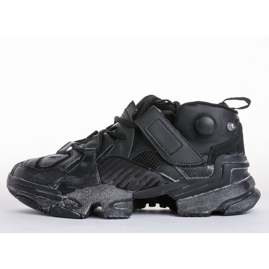 14362b8eedde43 VETEMENTS x Reebok Genetically Modified Pump