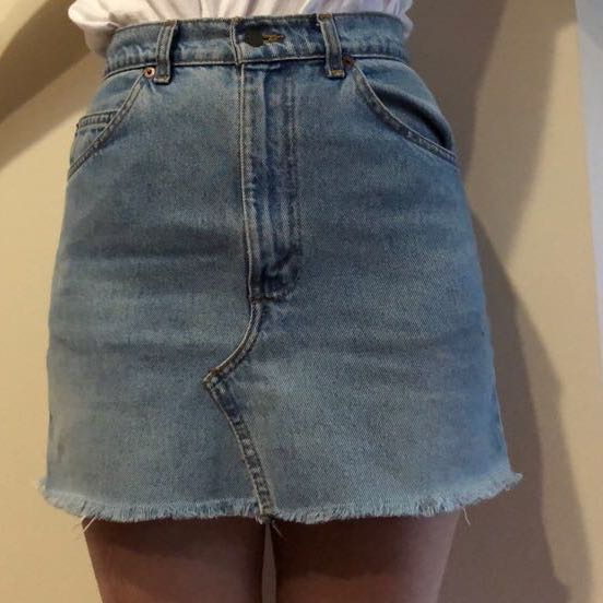 5ec84d958f VINTAGE LEVI A-Line Denim Skirt, Women's Fashion, Clothes on Carousell