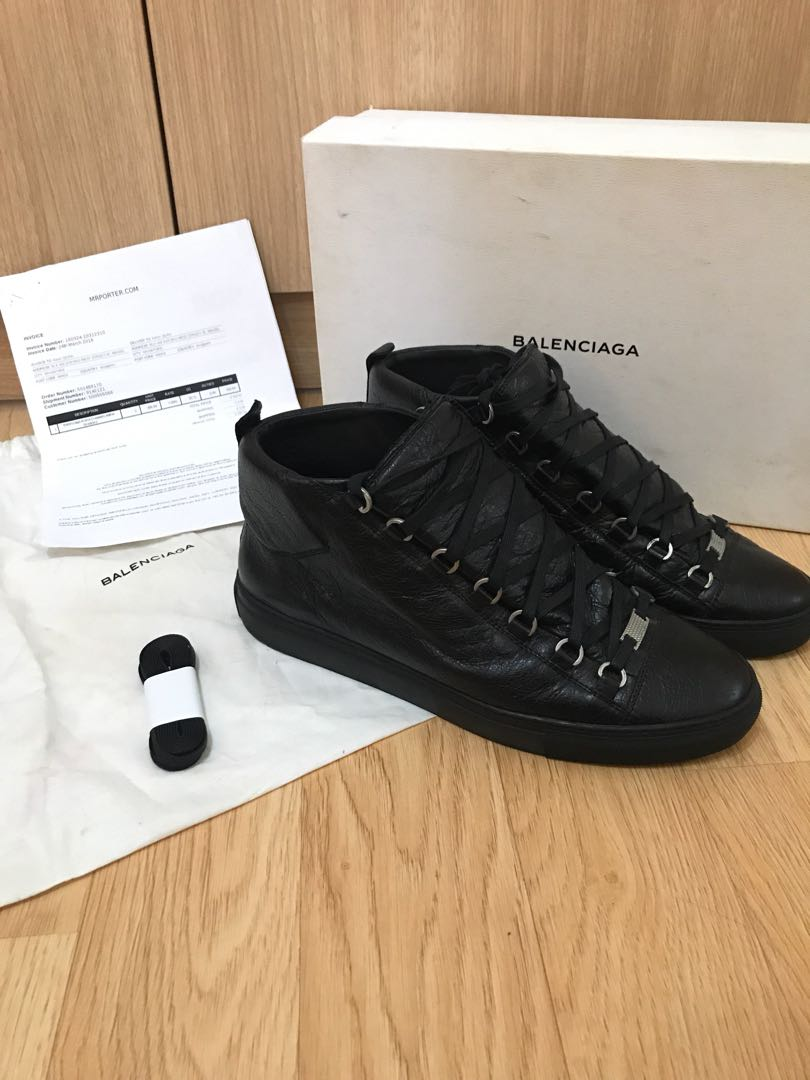 77ee8d000 WTS Balenciaga Arena Low sneakers (black), Men's Fashion, Footwear on  Carousell