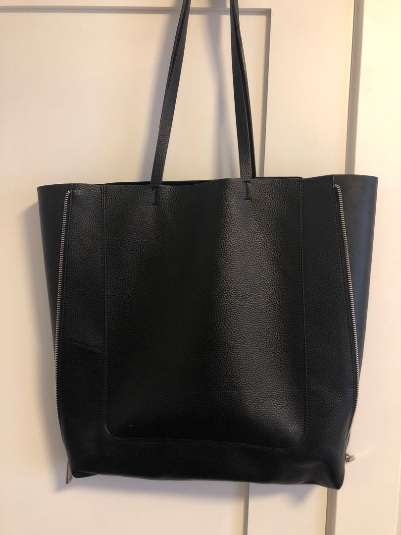 ZARA PEBBLED LEATHER PURSE- FITS EVERYTHING