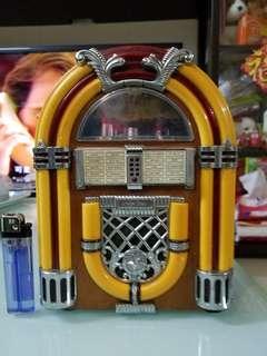 懷舊復古 收音機 大約9吋高 老香港懷舊物品