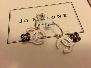 Chanel earrins
