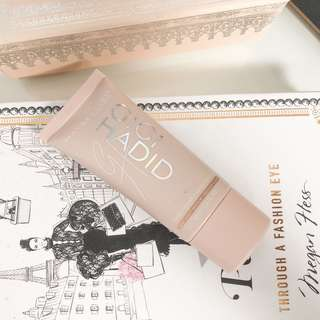 Maybelline Gigi Hadid Tinted Primer • Base GG07 Light Medium / Medium Clair
