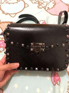 No brand! Not real! Valentino bag