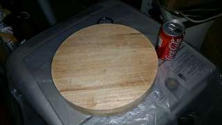 二手,12吋直徑木砧板 (Speeder),屯門交收。12 inch in diameter kitchen cutting chopping board, trade in Tuen.Mun