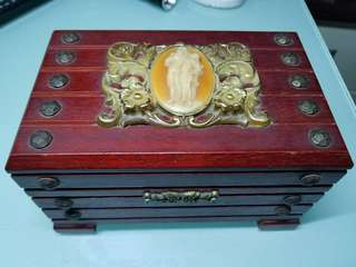 超殘舊  日本本制古董音樂盒  音樂正常,無左錬匙,你要自已攪店