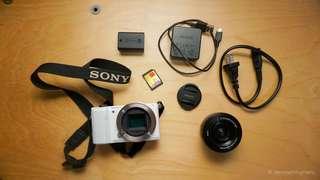 Sony A5000 Mirrorless Camera