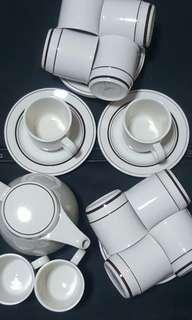 Ocera Tea Set