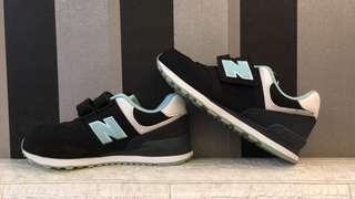 🚚 New balance 魔鬼氈童鞋