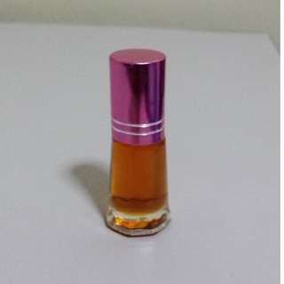 Sandalwood Scented Oil