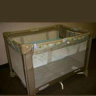 Playpen / Crib