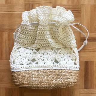 cream straw bag