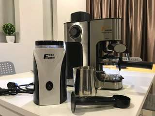 Espresso /Coffee Machine with milk frothing function and free coffee grinder