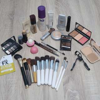FULL FACE MAKE UP BUNDLE - 30 ITEMS + MAKEUP BAG + ORIGINS MINI FACIAL VOUCHER (FREE SHIPPING!)