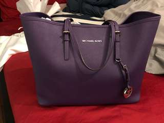 Michael Kors Jet Set Travel Tote - Medium