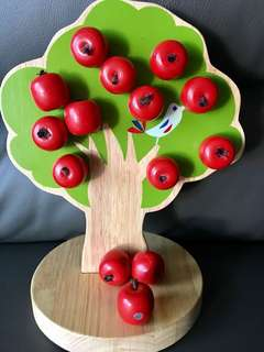 Authentic Woody Puddy Magnetic Apple Counting Tree *Free postage*