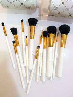 BH cosmetics rose gold white 14 pcs brush set