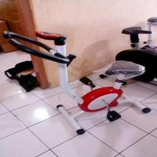 sepeda fitnes magnetik exercise bike Tl 8215