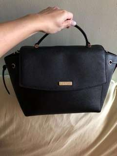 Kate Spade Pre-owned Black (Last price P4,500) with FREE V Secret Velvet Lip Stain