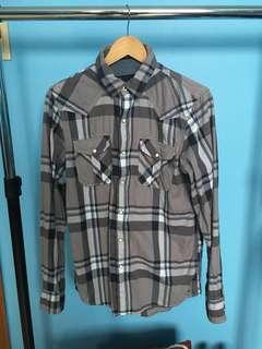 American eagle grey plaid shirt