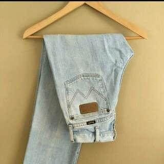 Wrangler Boyfriend/Mom Jeans