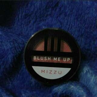 Blush on mizzu