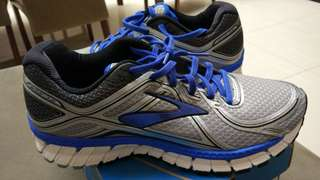Brooks Adrenaline size 42