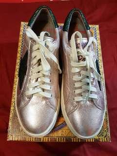 🚚 麥坎娜休閒鞋macanna