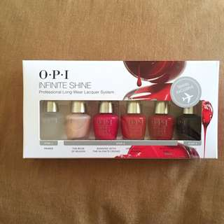 O.P.I Travel Exclusive Kit