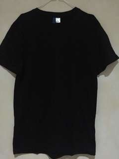 Tshirt Divided H&M full Black.. Fs 65k Nego