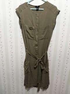 Green Dress pocket