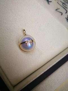 新款🆕️18k金馬貝吊墜 小小🎀蝴蝶結鑲嵌天然鑽石💎 精緻爆棚的款🤗 13-14mm無瑕強光炫彩 💰💰優惠價發售,歡迎咨詢訂購😊