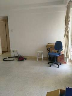 4room HDB at Redhill MRT for rent