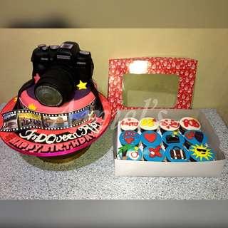 Camera Cake!(edible camera shaped cake!)