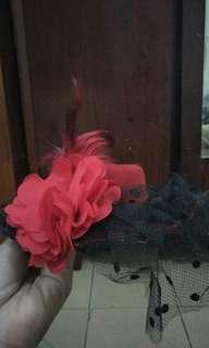 Fascinator hat/ brides hat/ headband hat