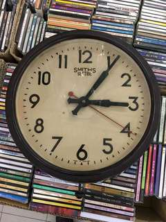 Vintage...SMITHS BAKELITE WALL CLOCK MADE IN ENGLAND